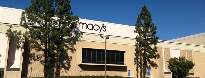 Macy's is one of Mo'nun Beğendiği Mekanlar.
