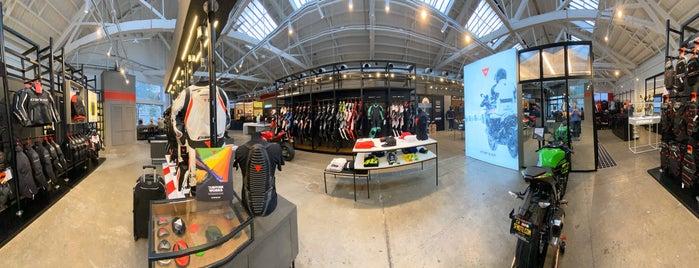 Dainese D-Store is one of Tempat yang Disukai Ben.