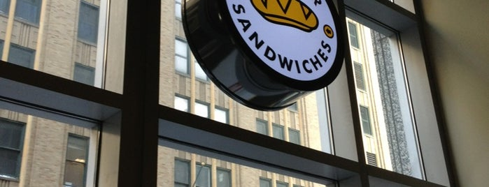 Which Wich? Superior Sandwiches is one of Tempat yang Disukai Brooke.