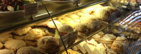 Patrick's Bakery & Cafe is one of Richard 님이 좋아한 장소.