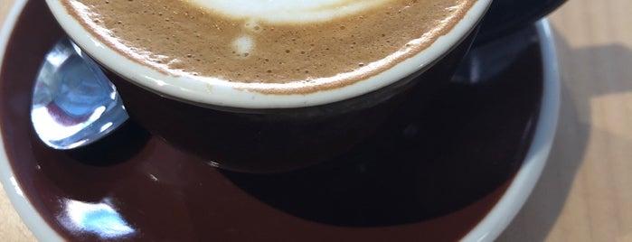 Ozo Coffee is one of Tempat yang Disukai Dmitry.