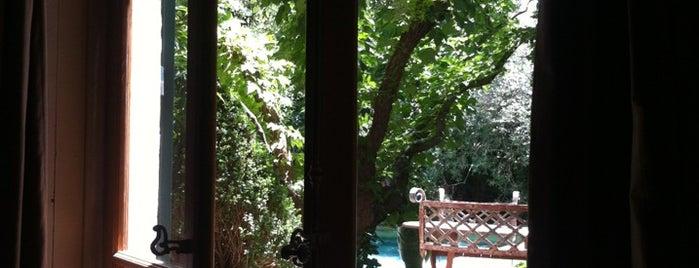 Jardins Secrets Hotel Nimes is one of Lieux qui ont plu à Chez.
