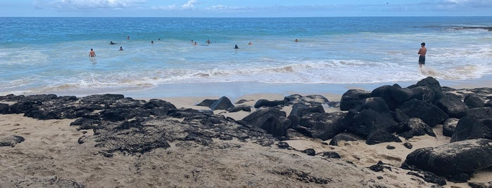Laʻaloa Beach County Park is one of Enjoy the Big Island like a local.