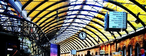 Newcastle Central Railway Station (NCL) is one of Carlさんのお気に入りスポット.