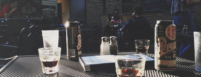 SmallBar is one of Chicago Patios.