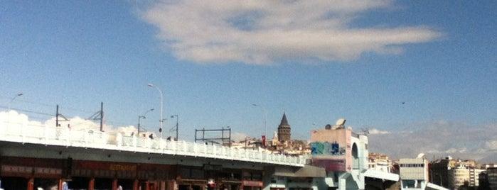Galata Köprüsü is one of İstanbul'da Gezilmesi-Görülmesi Gereken Mekanlar.
