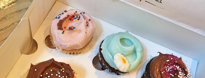 Magnolia Bakery is one of The New Yorkers: Village Life.