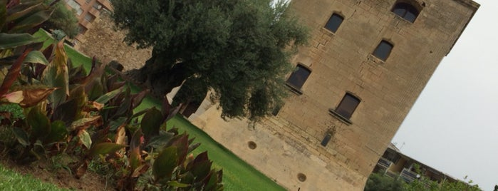 Torre Vella is one of Lugares favoritos de Nastasia.