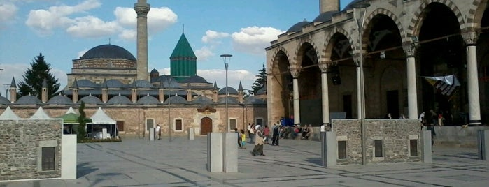 Mevlana Meydanı is one of Locais curtidos por Mahmud.