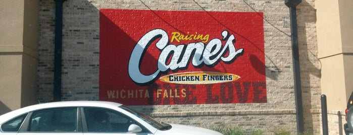 Raising Cane's Chicken Fingers is one of Lieux qui ont plu à Shiloh.