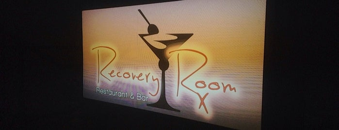 Recovery Room Restaurant & Bar is one of Lizzie'nin Kaydettiği Mekanlar.
