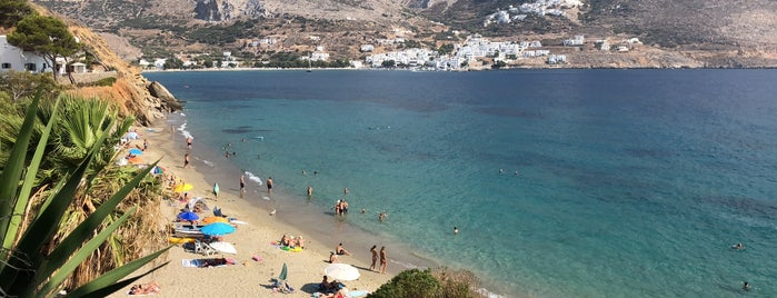 Levrossos Beach is one of Tempat yang Disukai Menia.