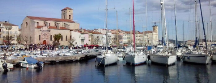 Port de La Ciotat is one of Les Callangues.