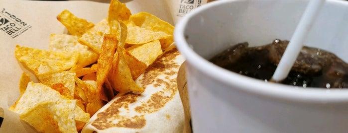 Taco Bell is one of Locais curtidos por Vee.