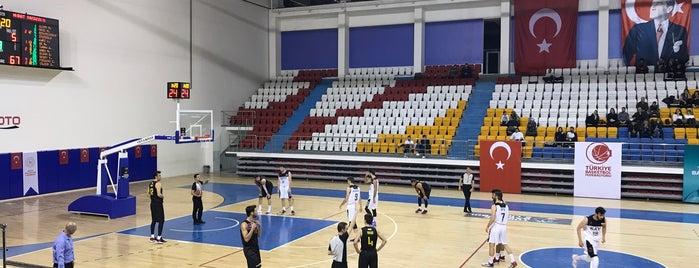 Keçiören Taha Akgül Spor Salonu is one of Orte, die Murat gefallen.