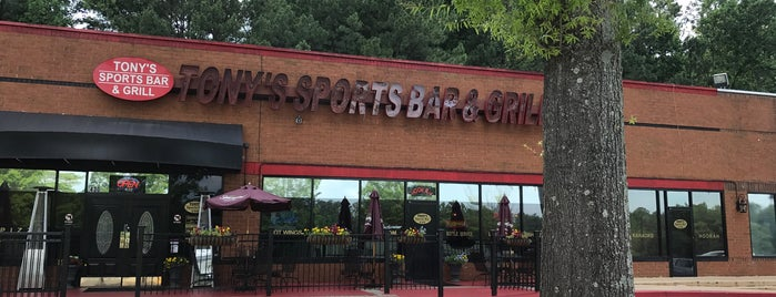 Tonys Sports Bar And Grill is one of Kさんの保存済みスポット.