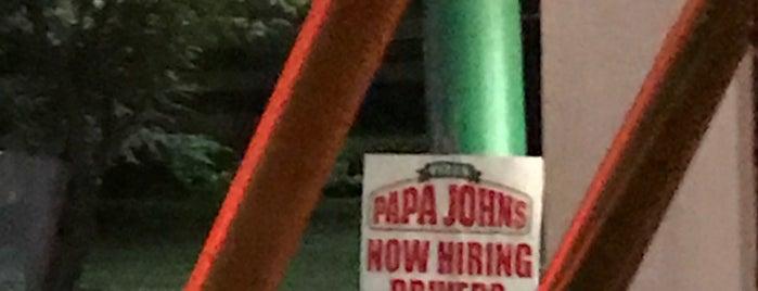 Papa John's Pizza is one of Orte, die Michelle gefallen.