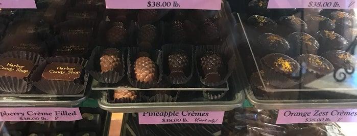Harbor Candy Shop is one of Lieux qui ont plu à Enrico.