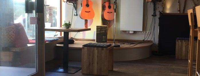 Akustik Cafe is one of Herr 님이 좋아한 장소.