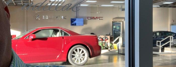 Thompson Buick GMC is one of สถานที่ที่ Johnnie ถูกใจ.