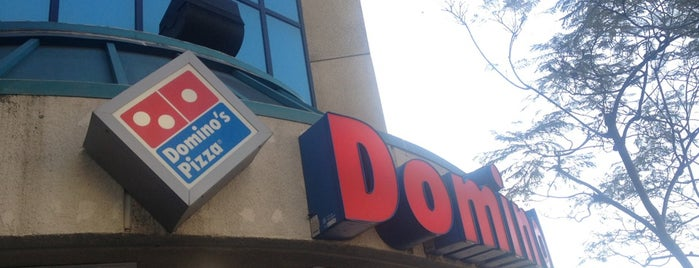 Domino's Pizza is one of Locais curtidos por Alfa.