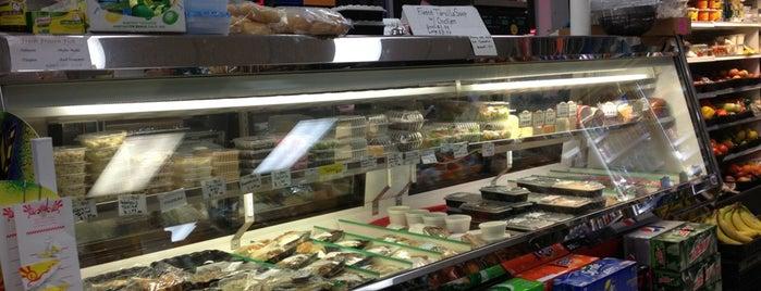 Bi-Rite Market is one of สถานที่ที่ Veronica ถูกใจ.