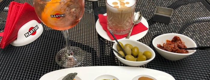 Dolce & Gabbana Martini Bar is one of Irinaさんのお気に入りスポット.