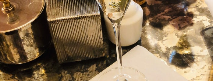 Champagne Bar Plaza Hotel is one of Date Night.