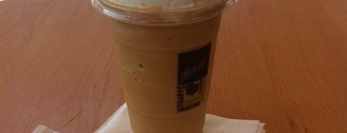 Mc Cafe is one of Lieux qui ont plu à Cristian.