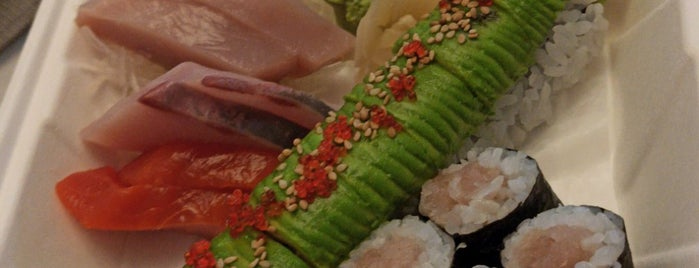 Toshi Sushi is one of Lugares favoritos de Marnie.