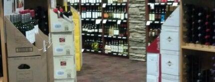 Edina Liquor is one of Tempat yang Disukai Candace.