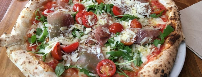 Grosso Napoletano is one of Europe // 50 Top Pizza.