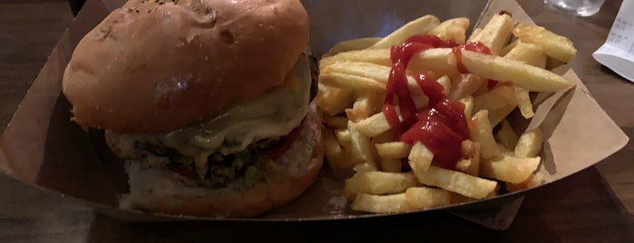 Burger Joint is one of Lugares favoritos de Fran.