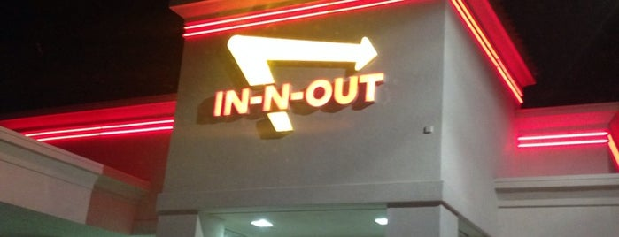 In-N-Out Burger is one of Orte, die Rich gefallen.