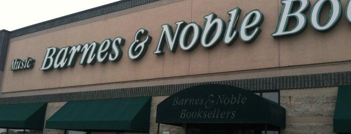 Barnes & Noble is one of Posti che sono piaciuti a Liz.