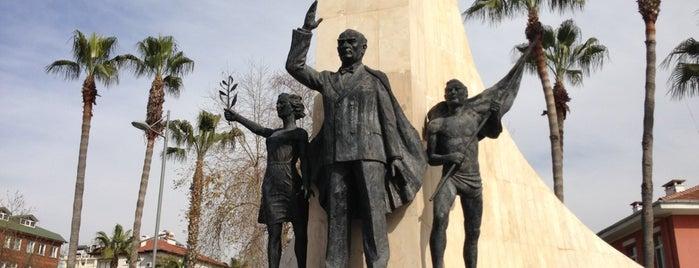Atatürk Heykeli is one of Gittiğim Mekanlar.