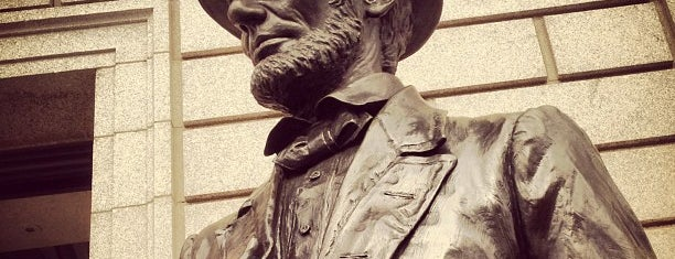 Abraham Lincoln Statue is one of Lugares favoritos de Will.
