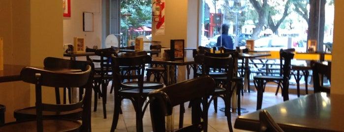 Momma Helados & Café is one of Tempat yang Disukai Nat.