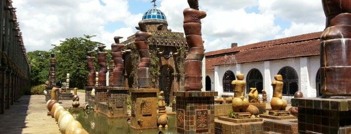 Oficina Cerâmica Francisco Brennand is one of Lugares favoritos de Flora.