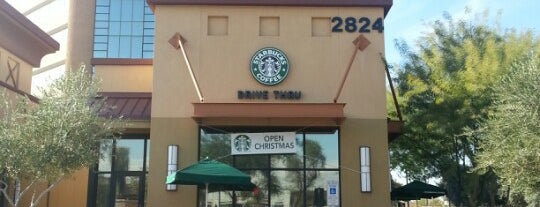 Starbucks is one of carolyn'un Beğendiği Mekanlar.