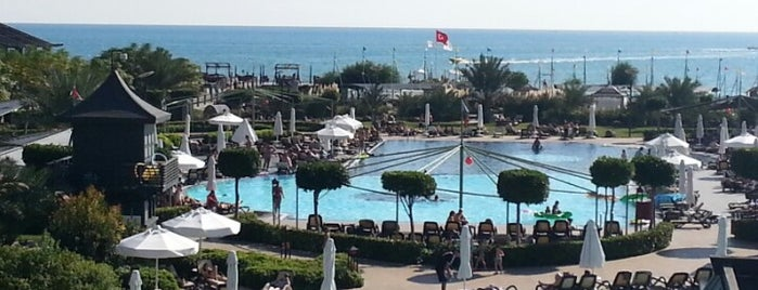Limak Lara De Luxe Resort is one of Gülsüm Çiğdemさんのお気に入りスポット.