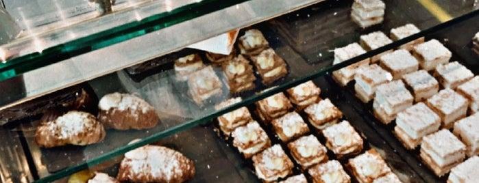 Dolce Ragusa is one of Locais curtidos por Sarah.