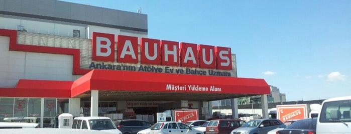 Bauhaus is one of Lieux qui ont plu à Tugay.