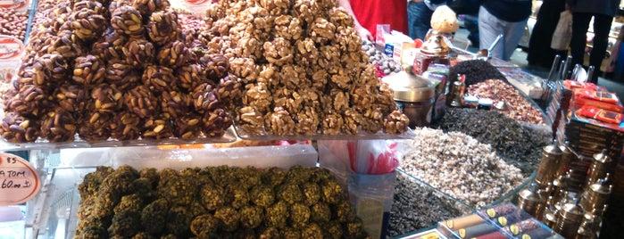 Mısır Çarşısı is one of Holiday in Istanbul.