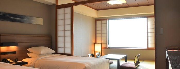 Marriott Nanki-Shirahama is one of สถานที่ที่ Sada ถูกใจ.