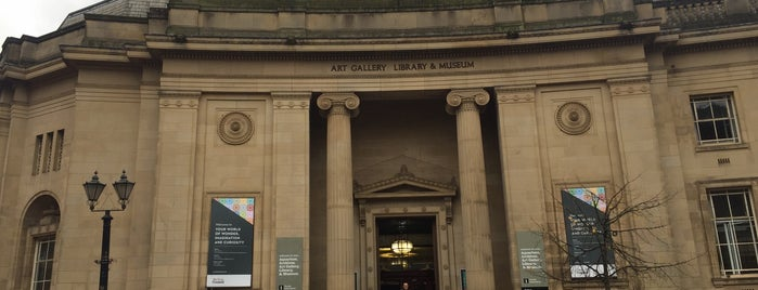 Bolton museum & art gallery is one of Tempat yang Disukai Louise.