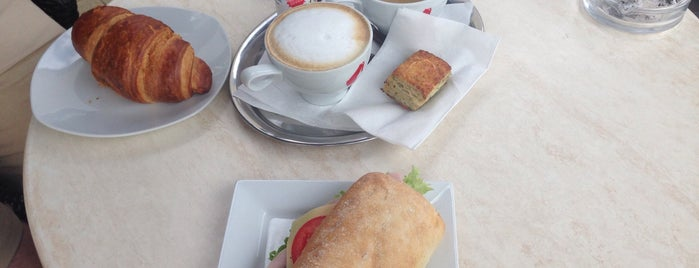 Lipóti Bakery and Café is one of สถานที่ที่ Kornél ถูกใจ.