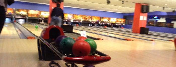 Toru Bowling is one of Locais salvos de Hakan.