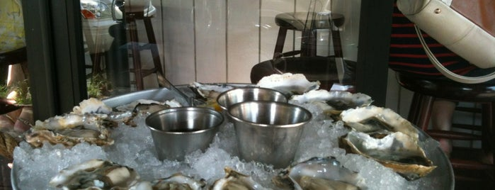 Brooklyn Oyster Shack is one of Laurenさんの保存済みスポット.