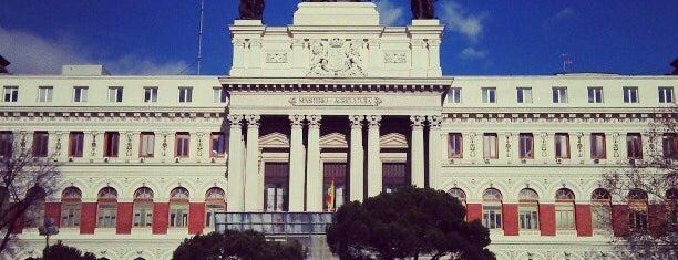Ministerio de Agricultura, Alimentación y Medio Ambiente is one of Lugares favoritos de Eli.